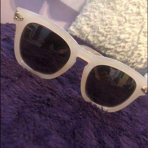 Trendy sunglasses!